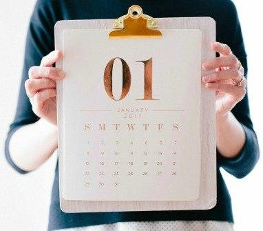 girl-holding-calendar-cropped2